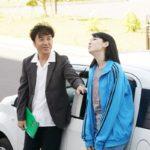 『ダンスウィズミー』三吉彩花とムロツヨシが、デュエットで美声を披露!! 27テイクも挑んだ変顔ありの歌唱シーン大公開!