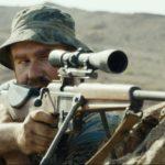 絶賛公開中!『15ミニッツ・ウォー』: スナイパーの銃弾発射まで0秒…。緊迫の本編映像解禁! 監督「西部劇に登場するような、真のヒーローたちの物語」