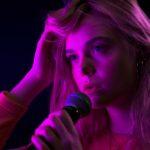 エル・ファニング初のMV到着!!『ティーンスピリット』「3ヶ月間、毎日歌の特訓をした」歌唱シーン公開!!