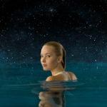 『パッセンジャー』無重力空間で水の塊に襲われる本編映像解禁!