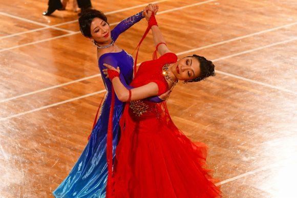 もう一度踊る!何度でも踊る! 笑いと興奮のダンス・エンターテインメント 「レディ・トゥ・レディ」