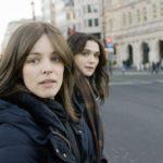 映画『ロニートとエスティ 彼女たちの選択』Wレイチェルの美しき場面写真解禁