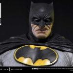 全世界350体限定生産!バットマンファン必見!!屈指の名作コミック「ダークナイトIIIマスターレース」より、老齢かつマッシブなバットマンがブラックコスチュームで商品化!